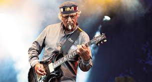 images Jethro Tull´s MARTIN BARRE & Band downtown